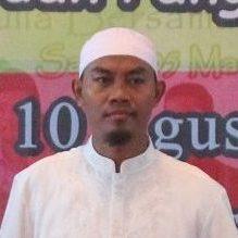 Ust. Rustam Diyarhamudi Al Hafizh